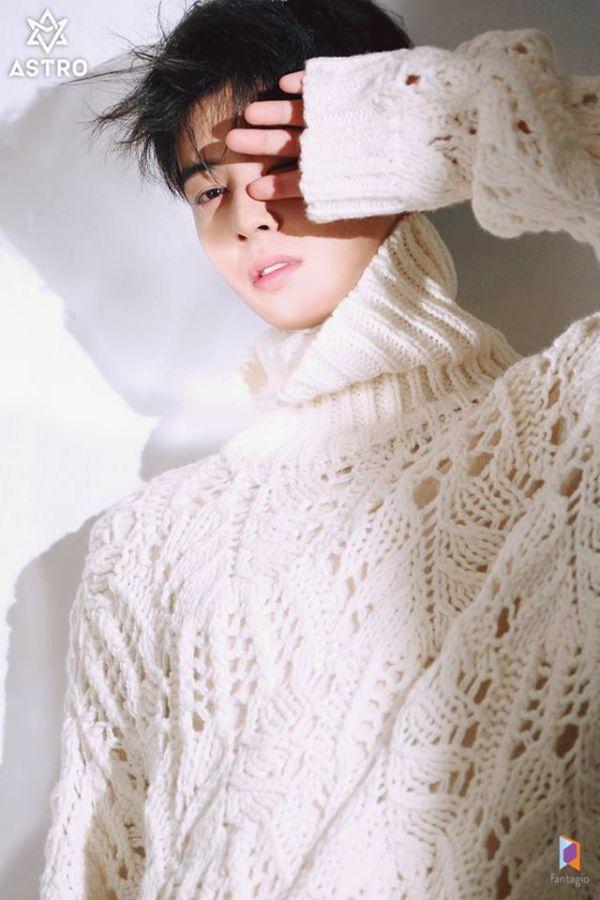 """Loạt ảnh mới của Cha Eun Woo tháng 10 này có làm bạn """"rụng tim""""? 14"""