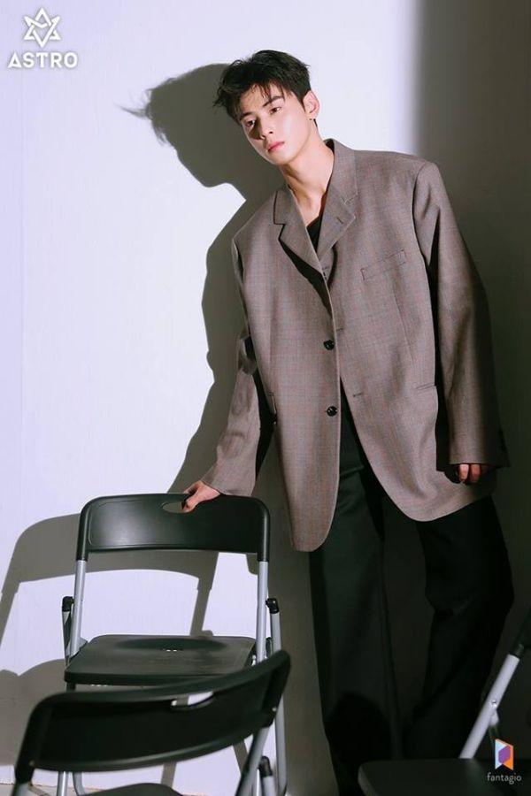 """Loạt ảnh mới của Cha Eun Woo tháng 10 này có làm bạn """"rụng tim""""? 15"""