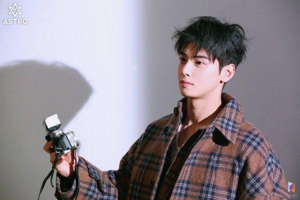 """Loạt ảnh mới của Cha Eun Woo tháng 10 này có làm bạn """"rụng tim""""? 18"""