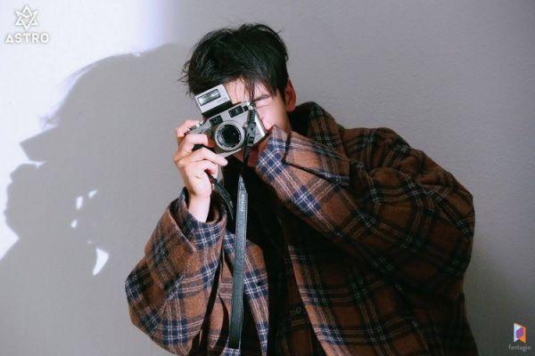 """Loạt ảnh mới của Cha Eun Woo tháng 10 này có làm bạn """"rụng tim""""? 19"""