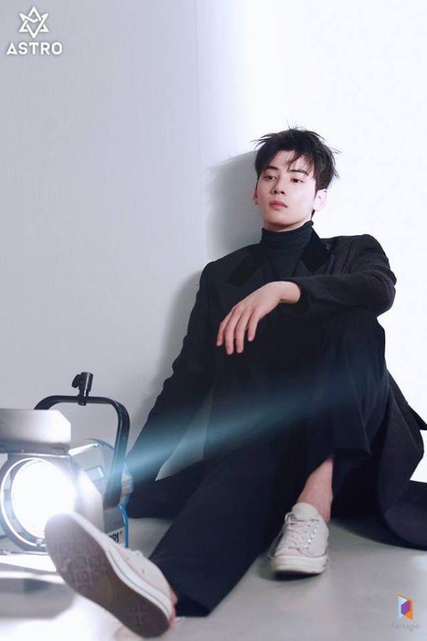 """Loạt ảnh mới của Cha Eun Woo tháng 10 này có làm bạn """"rụng tim""""? 4"""