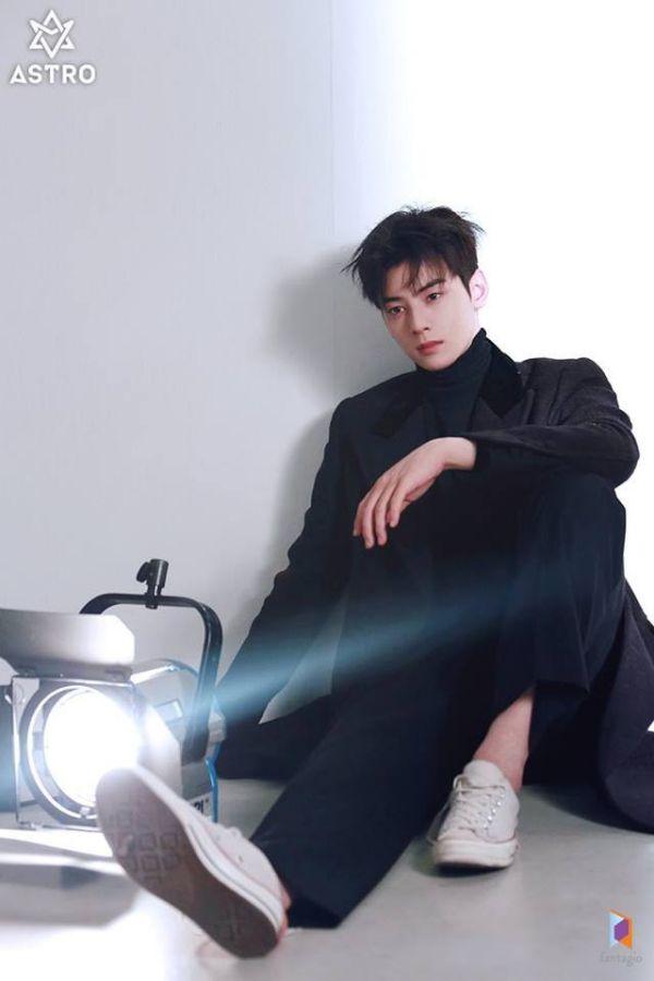"""Loạt ảnh mới của Cha Eun Woo tháng 10 này có làm bạn """"rụng tim""""? 5"""