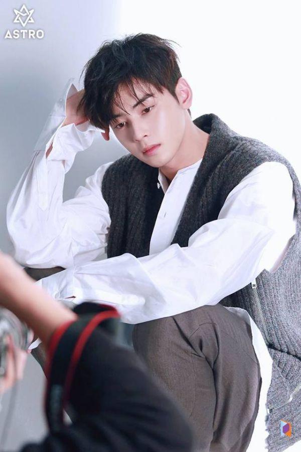 """Loạt ảnh mới của Cha Eun Woo tháng 10 này có làm bạn """"rụng tim""""? 9"""