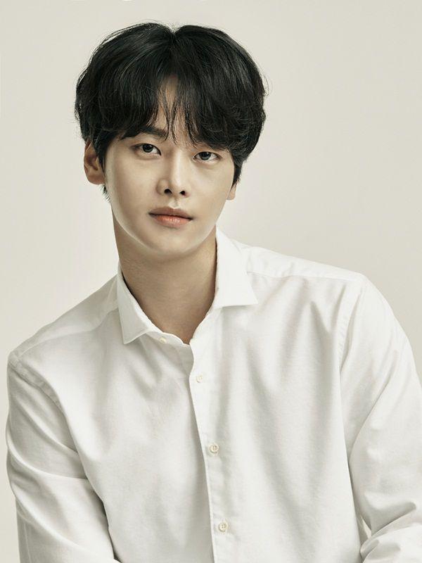 """N (VIXX) sẽ tham gia phim """"Red Moon, Blue Sea"""" cùng Lee Yi Kyung 6"""