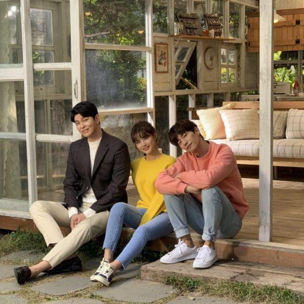 Phim Hàn mới ra mắt tháng 11/2018: Phim siêu hot của sao hạng A 5 -1