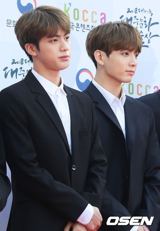 Thảm đỏ Korean Popular Culture & Arts Awards 2018 của BTS, Son Ye Jin 15