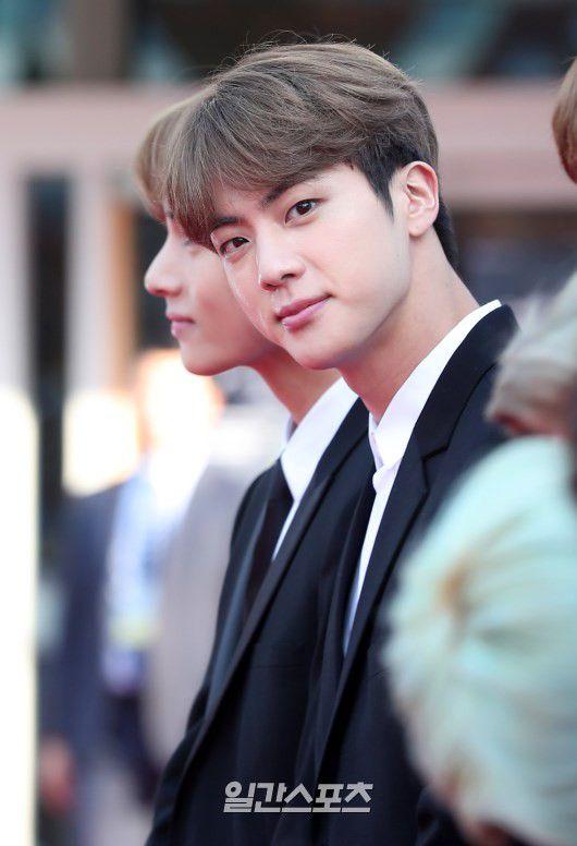 Thảm đỏ Korean Popular Culture & Arts Awards 2018 của BTS, Son Ye Jin 17