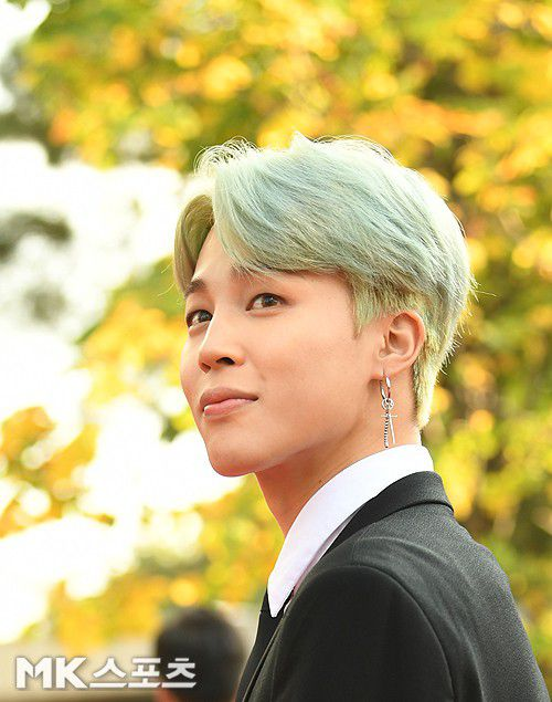 Thảm đỏ Korean Popular Culture & Arts Awards 2018 của BTS, Son Ye Jin 18