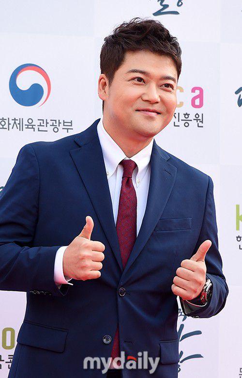 Thảm đỏ Korean Popular Culture & Arts Awards 2018 của BTS, Son Ye Jin 23