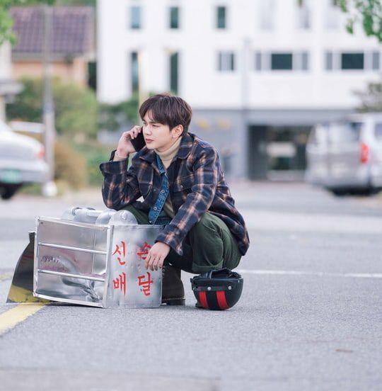 """""""Bok Soo is Back"""" tung loạt ảnh đẹp đầu tiên của Yoo Seung Ho 4"""