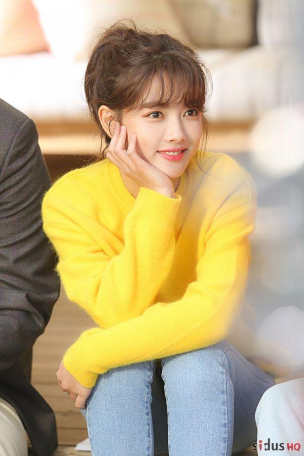"""""""Cô Tiên Dọn Dẹp"""": Loạt ảnh hậu trường đẹp thiên thần của Kim Yoo Jung 1"""