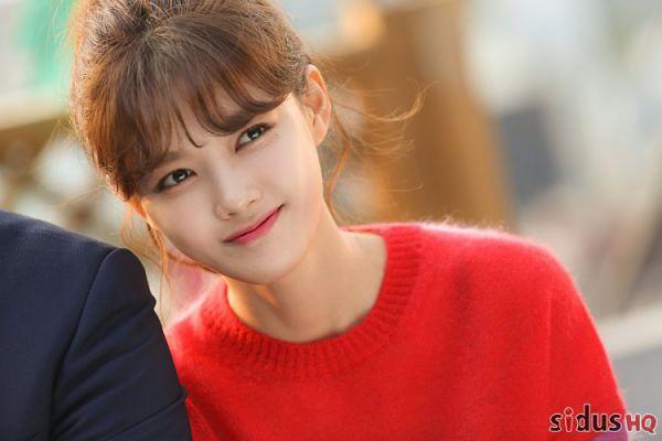"""""""Cô Tiên Dọn Dẹp"""": Loạt ảnh hậu trường đẹp thiên thần của Kim Yoo Jung 13"""