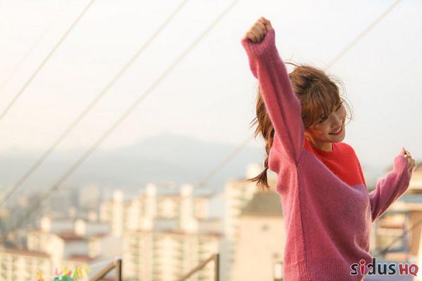 """""""Cô Tiên Dọn Dẹp"""": Loạt ảnh hậu trường đẹp thiên thần của Kim Yoo Jung 14"""