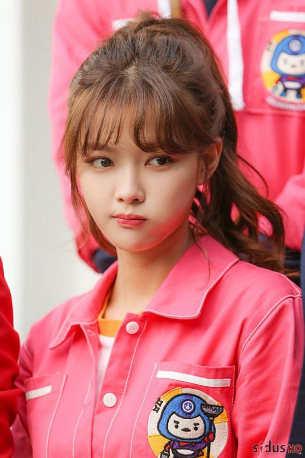"""""""Cô Tiên Dọn Dẹp"""": Loạt ảnh hậu trường đẹp thiên thần của Kim Yoo Jung 17"""