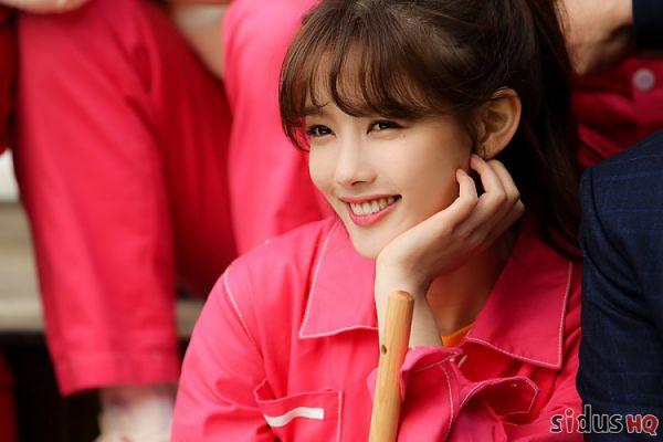 """""""Cô Tiên Dọn Dẹp"""": Loạt ảnh hậu trường đẹp thiên thần của Kim Yoo Jung 18"""