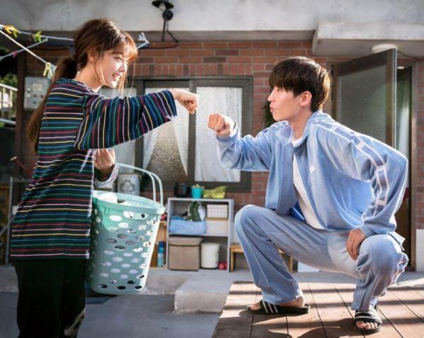 """""""Cô Tiên Dọn Dẹp"""" nhá hàng ảnh của Kim Yoo Jung và anh bạn hàng xóm 3"""