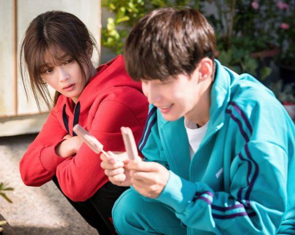 """""""Cô Tiên Dọn Dẹp"""" nhá hàng ảnh của Kim Yoo Jung và anh bạn hàng xóm 4"""