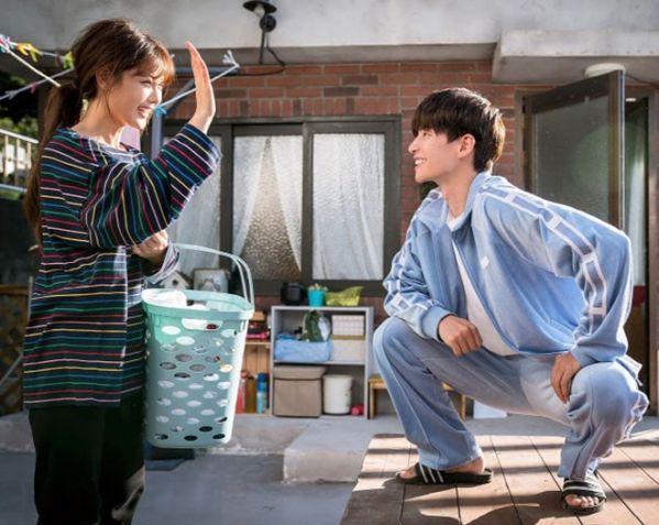"""""""Cô Tiên Dọn Dẹp"""" nhá hàng ảnh của Kim Yoo Jung và anh bạn hàng xóm 5"""