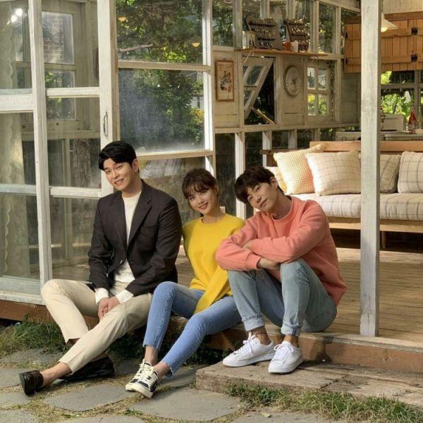 """""""Cô Tiên Dọn Dẹp"""" nhá hàng ảnh của Kim Yoo Jung và anh bạn hàng xóm 6"""