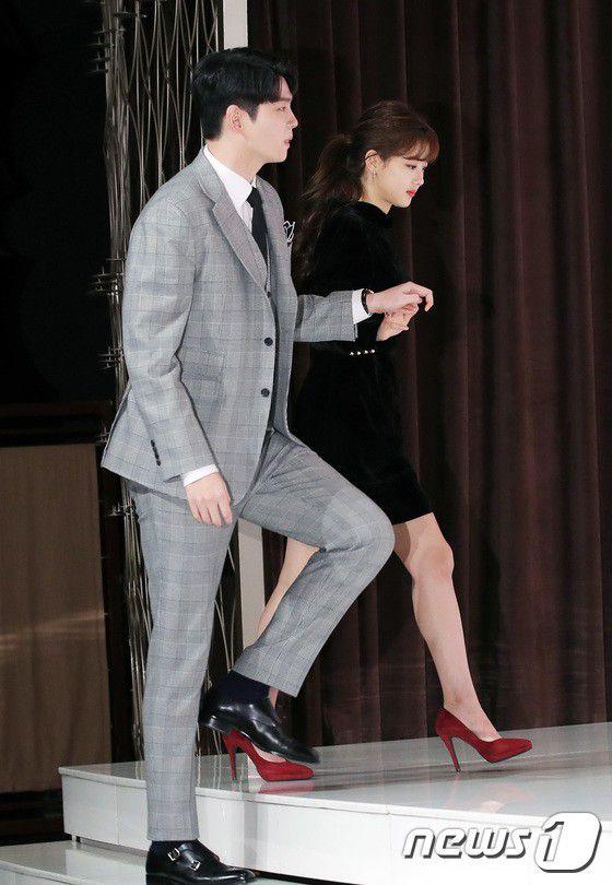 """Họp báo """"Cô Tiên Dọn Dẹp"""": Yoon Kyun Sang, Kim Yoo Jung đẹp quá! 14"""