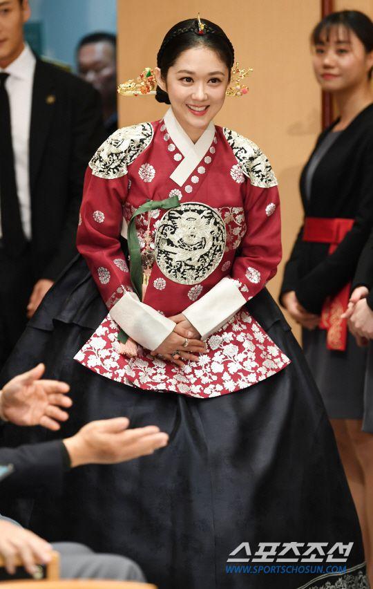 """Họp báo ra mắt phim """"The Last Empress"""": Jang Nara đẹp bất chấp 7"""