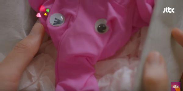 """Sau 2 tập, """"Cô Tiên Dọn Dẹp"""" hút nhất ở cảnh chiếc quần lót màu hồng 8"""