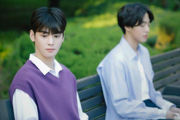 """""""Top Management"""" tung ảnh """"siêu ngọt"""" của Cha Eun Woo, Ahn Hyo Seop2"""