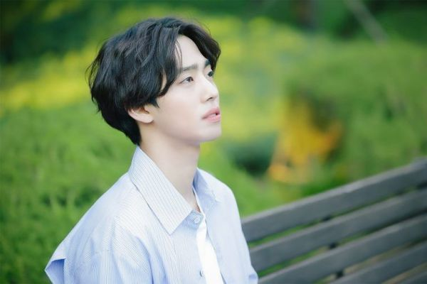 """""""Top Management"""" tung ảnh """"siêu ngọt"""" của Cha Eun Woo, Ahn Hyo Seop 3"""