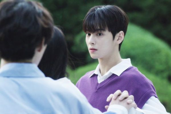 """""""Top Management"""" tung ảnh """"siêu ngọt"""" của Cha Eun Woo, Ahn Hyo Seop 5"""