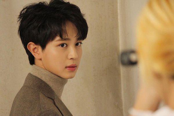 """""""Top Management"""" tung ảnh """"siêu ngọt"""" của Cha Eun Woo, Ahn Hyo Seop 6"""
