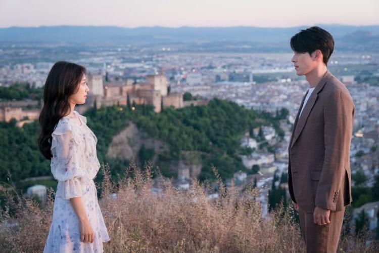 """Vì sao """"Memories of the Alhambra"""" là bộ phim phải xem cuối năm 2018 8"""