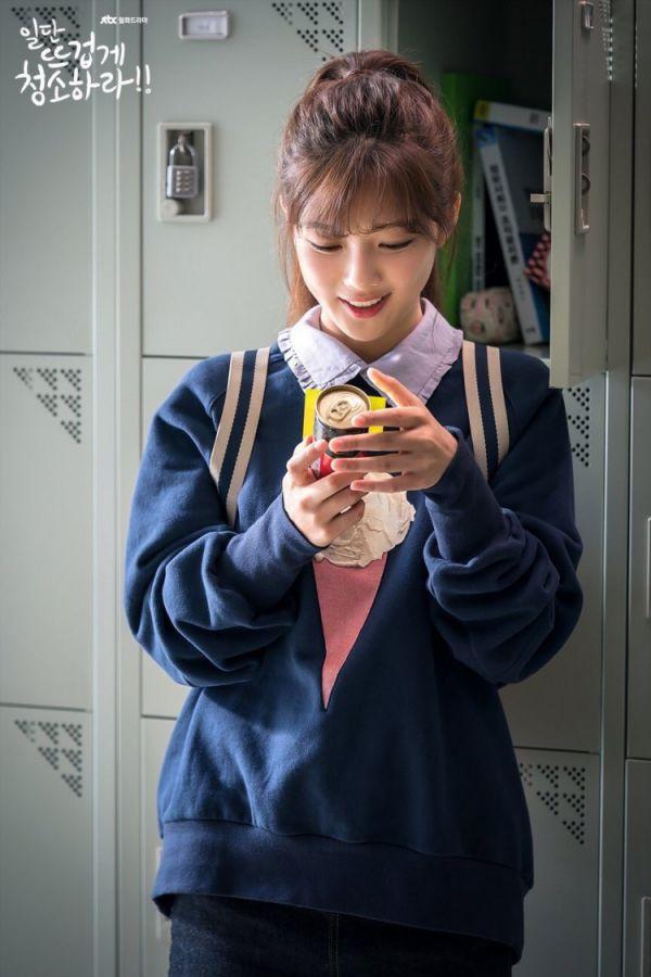 """""""Cô Tiên Dọn Dẹp"""" tung ảnh hậu trường đáng yêu của Kim Yoo Jung, Yoon Kyun Sang 13"""