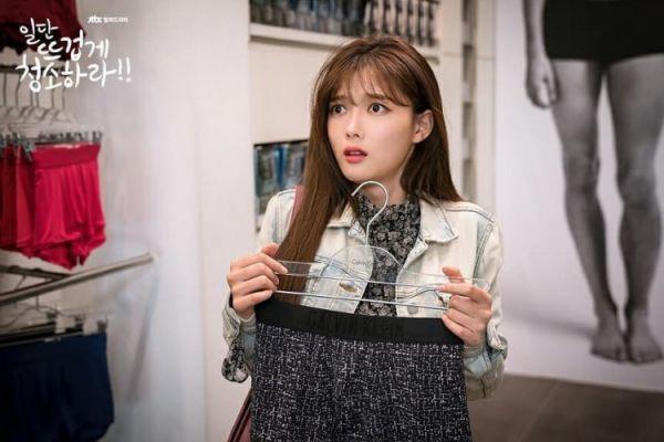 """""""Cô Tiên Dọn Dẹp"""" tung ảnh hậu trường đáng yêu của Kim Yoo Jung, Yoon Kyun Sang 23"""