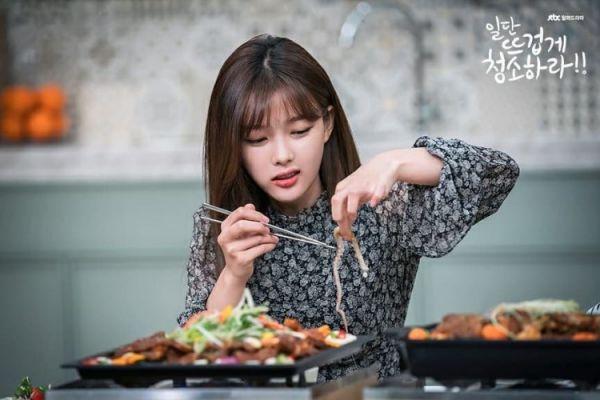 """""""Cô Tiên Dọn Dẹp"""" tung ảnh hậu trường đáng yêu của Kim Yoo Jung, Yoon Kyun Sang 30"""
