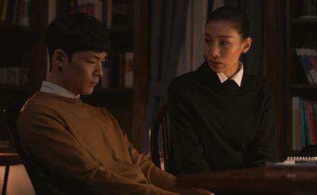 """Giải mã """"Sky Castle/Lâu Đài Trên Không"""": Phim Hàn đang cực hot tháng 12 4"""