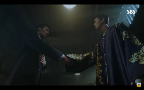 """""""Hoàng Hậu Cuối Cùng"""" tập 11,12: Jang Na Ra đau lòng, Jin Hyuk suýt chết1"""