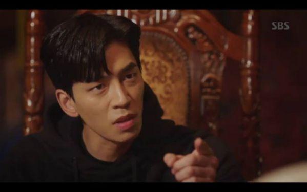"""""""Hoàng Hậu Cuối Cùng"""" tập 11,12: Jang Na Ra đau lòng, Jin Hyuk suýt chết 11"""