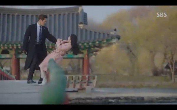 """""""Hoàng Hậu Cuối Cùng"""" tập 23, 24: Hoàng Đế Lee Hyuk ra tay giết Yoo Ra 19"""