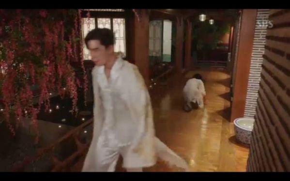 """""""Hoàng Hậu Cuối Cùng"""" tập 9, 10: Choi Jin Hyuk, Jang Na Ra đau khổ tột cùng 16"""