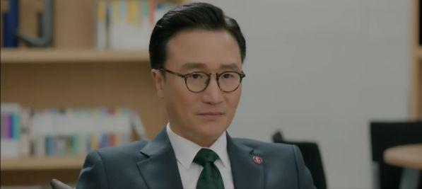 """Jin Hyuk bị chuyển công tác, nụ hôn chia xa đau lòng ở tập 8 của """"Encounter"""" 3"""