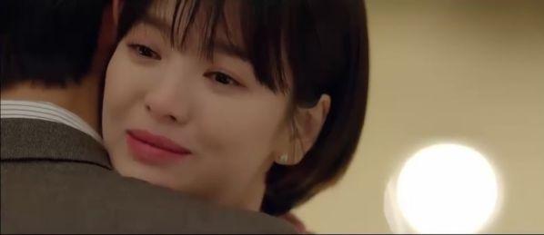 """Jin Hyuk bị chuyển công tác, nụ hôn chia xa đau lòng ở tập 8 của """"Encounter"""" 30"""