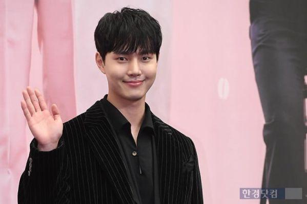 """Phim """"Coffee, Do Me a Favor"""" của Yong Jun Hyung lên sóng ngày 1/12 6"""