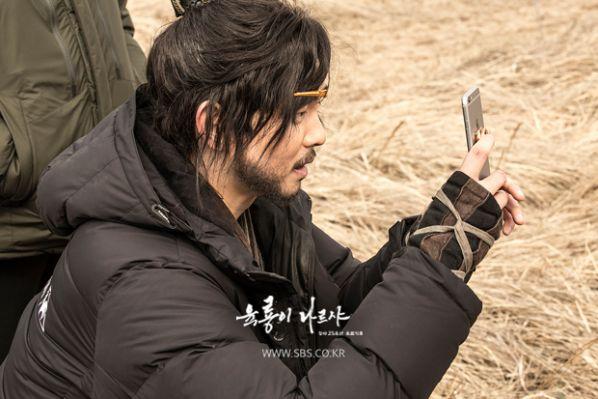 """Về """"Yoon Kyun Sang"""": Chàng nam chính đáng yêu của """"Cô Tiên Dọn Dẹp"""" 11"""