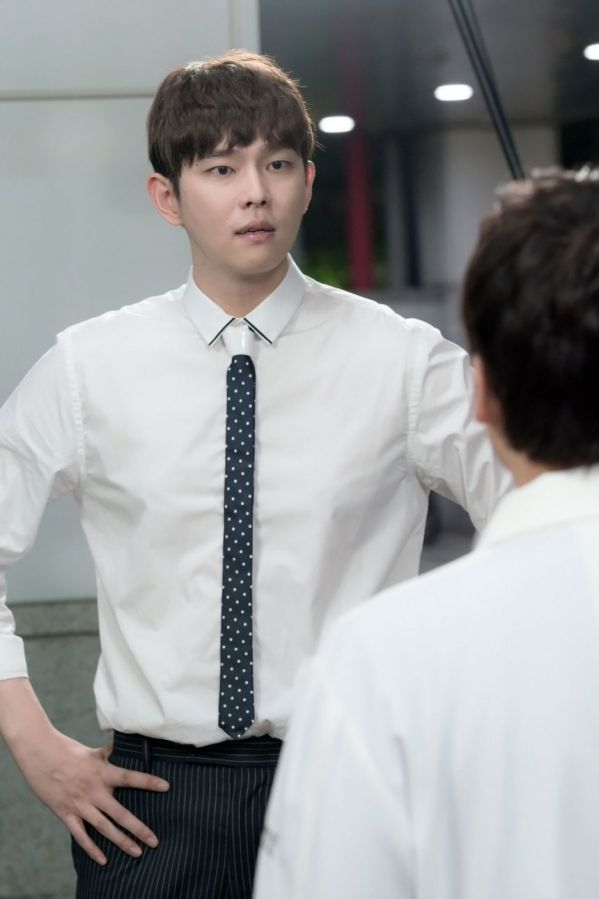 """Về """"Yoon Kyun Sang"""": Chàng nam chính đáng yêu của """"Cô Tiên Dọn Dẹp"""" 13"""
