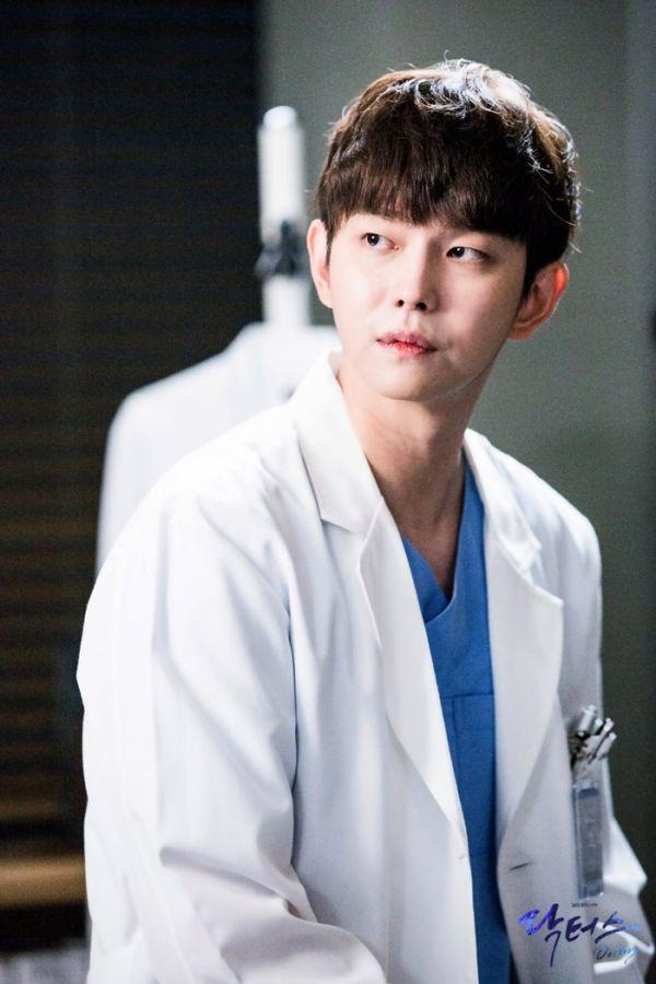 """Về """"Yoon Kyun Sang"""": Chàng nam chính đáng yêu của """"Cô Tiên Dọn Dẹp"""" 14"""