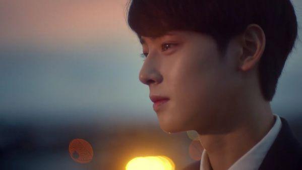 Cha Eun Woo khóc và xin lỗi trước Fan vì làn da không mịn màng 6