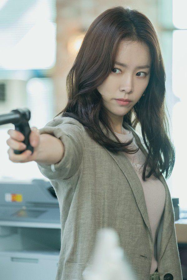 """Han Ji Min và Jung Hae In kết đôi trong """"Spring Night"""": Khán giả nói gì? 3"""