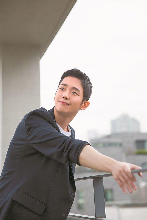 """Han Ji Min và Jung Hae In kết đôi trong """"Spring Night"""": Khán giả nói gì? 6"""