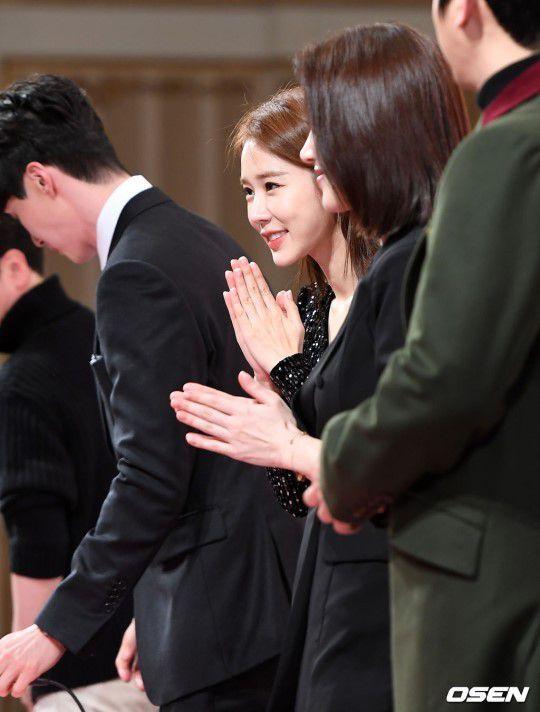 Họp báo ra mắt 'Touch Your Heart': Yoo In Na và Lee Dong Wook đẹp đôi quá! 22