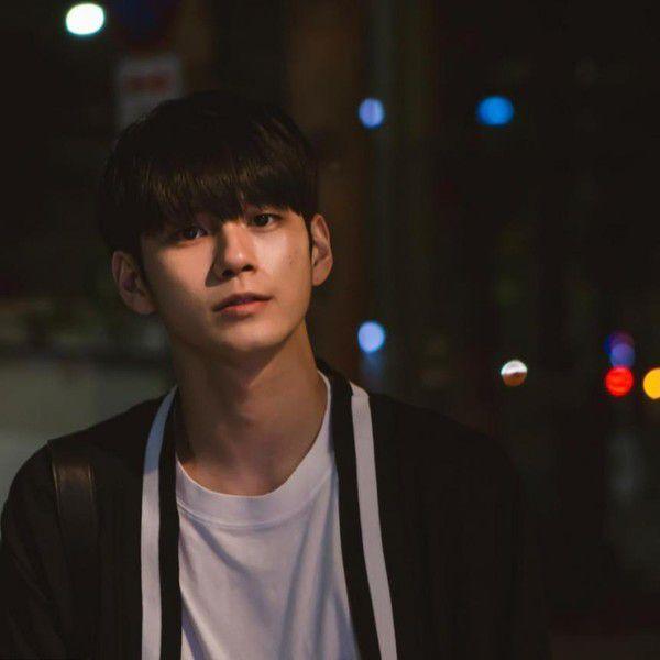 """Ong Seong Woo (Wanna One) đóng vai chính trong phim """"18 Moments"""" 2"""